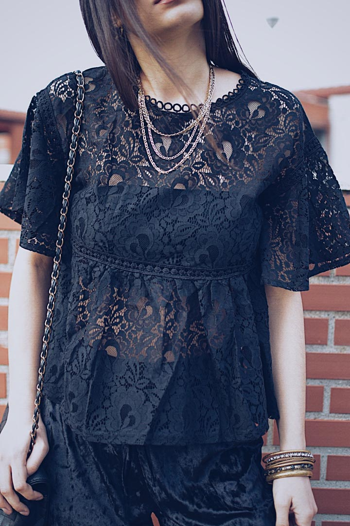 980b5c9d767f Δαντελένιο μπλουζάκι μαύρο. 🔍 Εξαντλημένο
